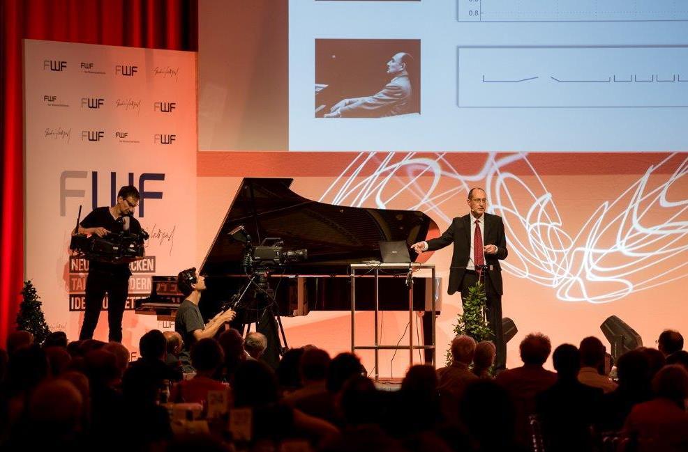 Mit Widmers Programm können Konzert- und Opernhäuser ihre Live-Streams mit Informationen anreichern. Der Gedanke dahinter: klassische Musik für neue und jüngere Publikumsschichten zu gewinnen.
