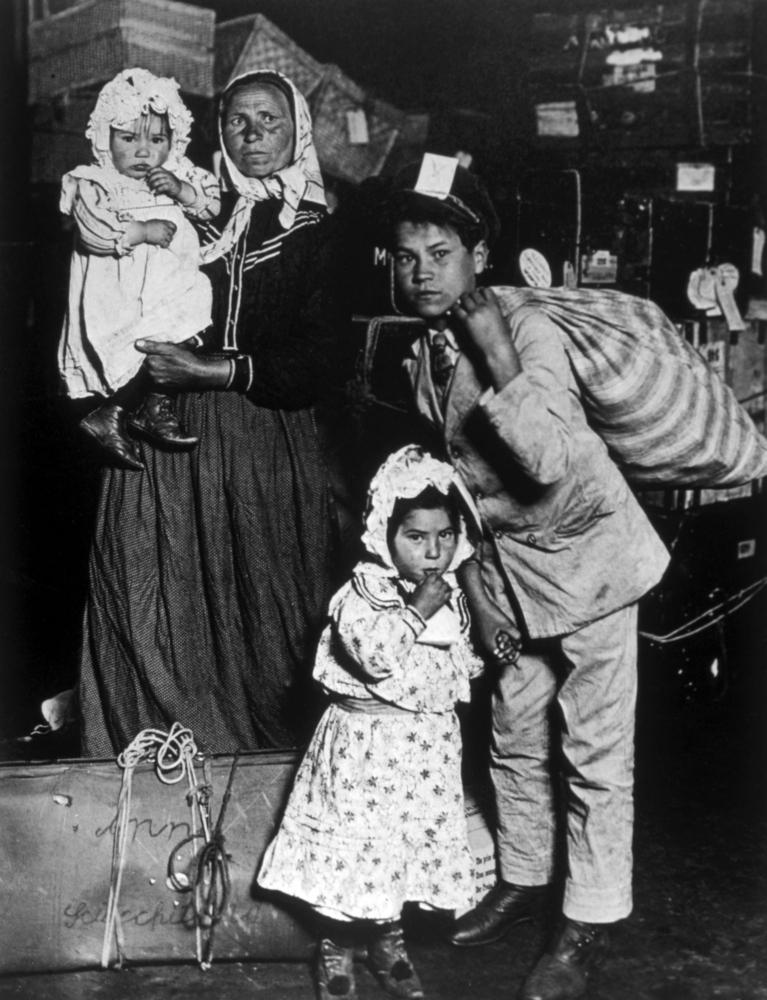 """Um die Jahrhundertwende gab es massive Auswanderungswellen von Europäern – auch Österreichern - Richtung Amerika. """"Das vergessen wir heute manchmal"""", erinnert Lutz."""