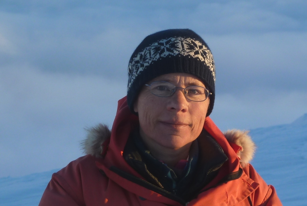 "With only some interruptions, the meteorologist Elisabeth Schlosser has been working exclusively on fixed-term projects financed by third-party funds since 1992. In 2016 she has started her current FWF project ""Atmospheric controls on stable isotopes in Antarctica""."