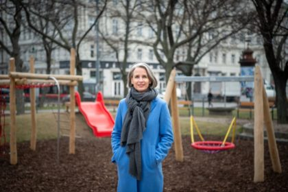 Sociologist Ulrike Zartler from Vienna in front of an empty playground due to the corona crisis.